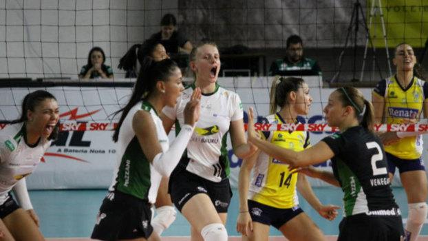 Bauru venceu sua terceira partida na Superliga feminina
