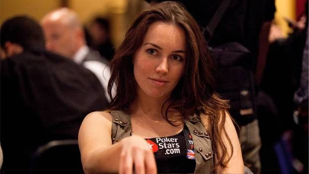 Liv Boeree estudou astrofísica antes de se tornar jogadora profissional
