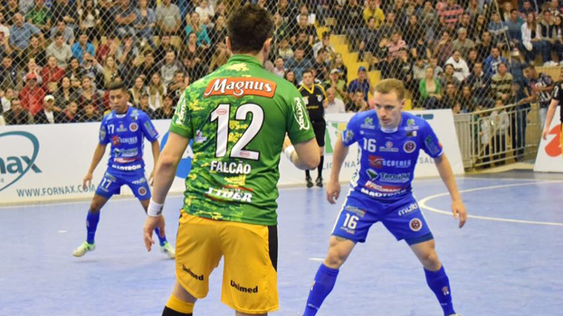 Magnus vence Joaçaba e mantém liderança da Liga Futsal - ESPN 9103d5fc752ff