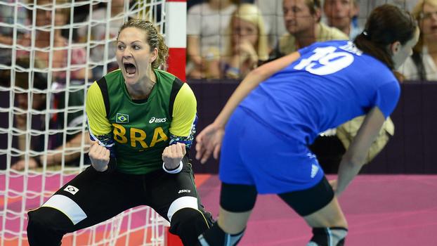 A goleira defendeu a seleção brasileira por 14 anos e foi tricampeã panamericana