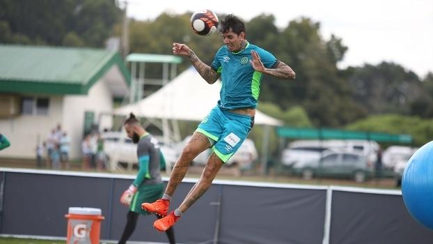 Victor Ramos quer vitória da Chapecoense sobre o Palmeiras dentro de casa pela Série A