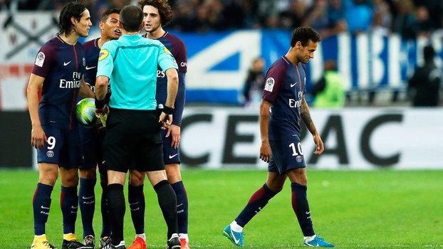 Com gols brasileiros, Olympique e PSG ficam no empate