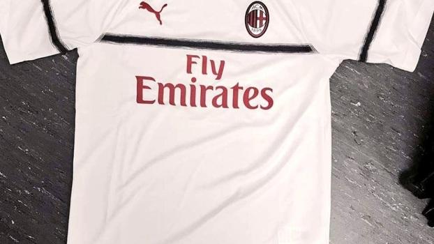 Primeira camisa do Milan feita pela Puma vaza na web  315715b1359fa