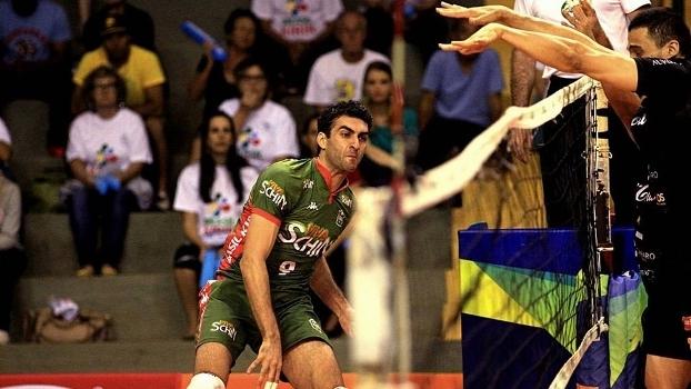 Em partida equilibrada, Brasil Kirin venceu Bento Vôlei por 3 sets a 2