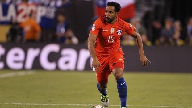 7d3f56838b Beausejour ganhou a Copa América em 2015 e 2016 com o Chile