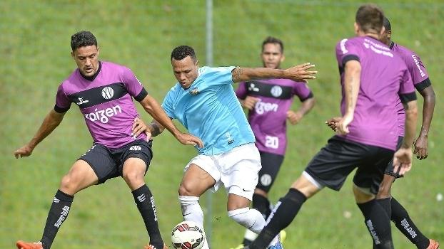 O ex-são-paulino Luis Fabiano fez a sua estreia pelo clube chinês c6c93b0b88e47
