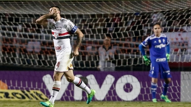 Pratto brilha, São Paulo derrota Palmeiras e aumenta tabu