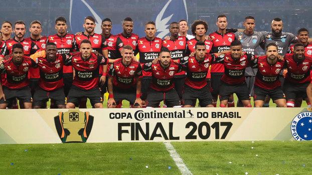 Time do Flamengo perfilado para a final da Copa do Brasil 40346036783c1