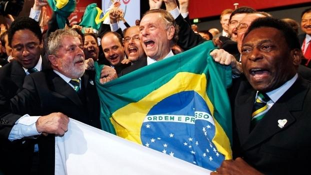 Delegação brasileira comemora a escolha do Rio de Janeiro como sede dos Jogos de 2016