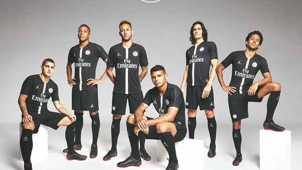 O novo uniforme do PSG para jogos da Champions League 1e56dcc95241e