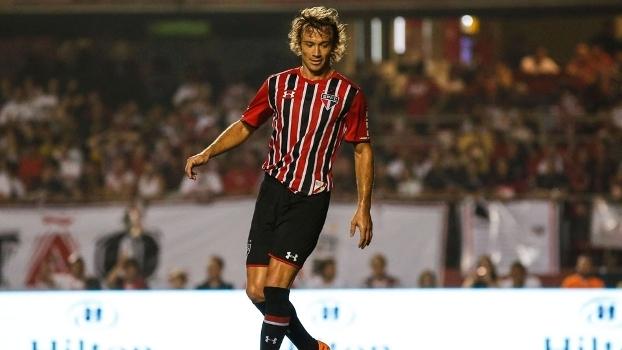Lugano domina a bola durante despedida de Rogerio Ceni