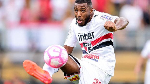 """Jucilei crê em permanência no São Paulo e lamenta """"ano de chacota"""""""