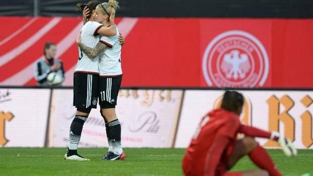 Alemanha é superior também no futebol feminino e goleia Brasil em ... 0173da62ebe8b