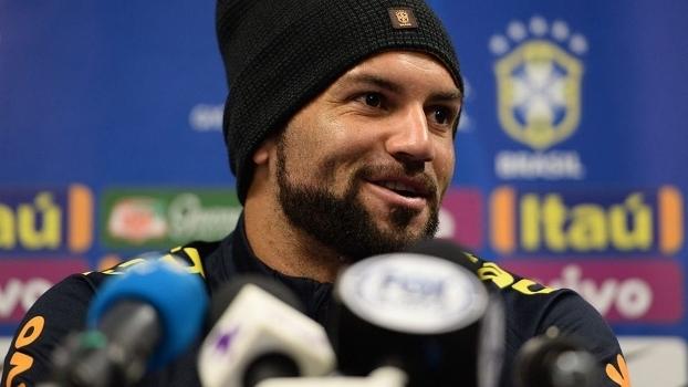 Goleiro Weverton em entrevista coletiva da seleção brasileira em Melbourne