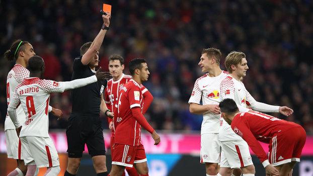 Willi Orban foi expulso ainda no começo da partida