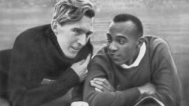 Luz Long e Jesse Owens nos Jogos Olímpicos de 1936
