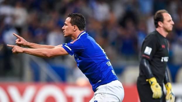 Damião marcou o gol do Cruzeiro no tempo normal