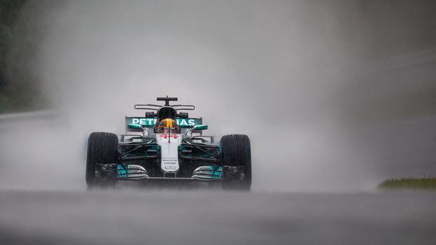 Lewis Hamilton foi o melhor em treino livre no Japão