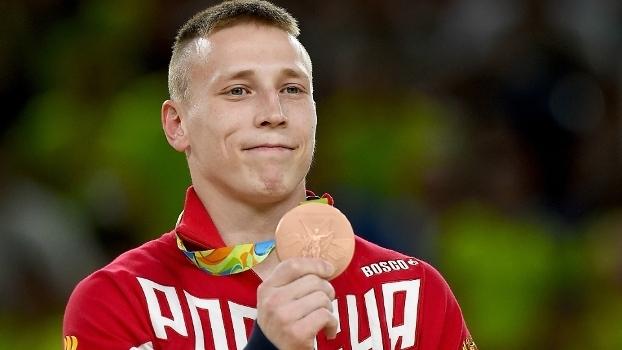 Denis Abliazin durante premiãçãoo das argolas nos Jogo de Olímpicos do Rio