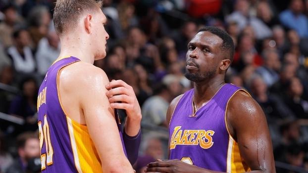 Mozgov e Deng: os dois 'pesos' na folha salarial dos Lakers
