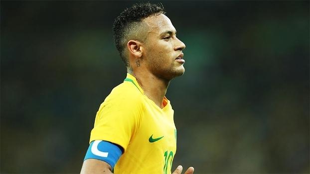 6db998840f Neymar com a braçadeira de capitão da seleção brasileira nos Jogos Olímpicos