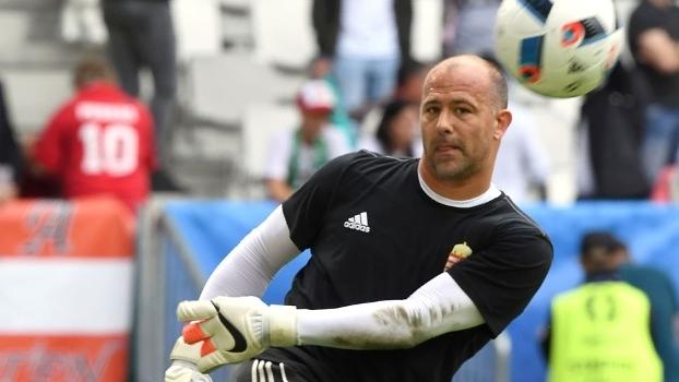 Goleiro Kiraly, aos 40 anos, é titular da seleção húngara na Eurocopa