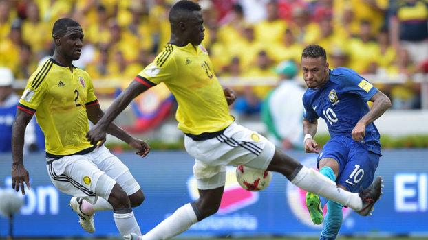 Neymar em ação contra a Colômbia nesta terça-feira