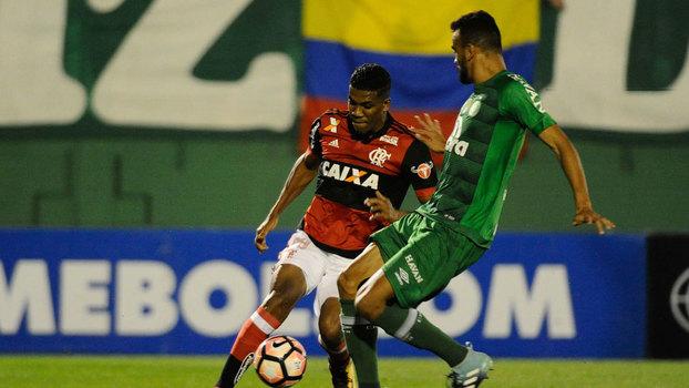 Flamengo  esquece  a Copa do Brasil para buscar vaga contra a Chapecoense