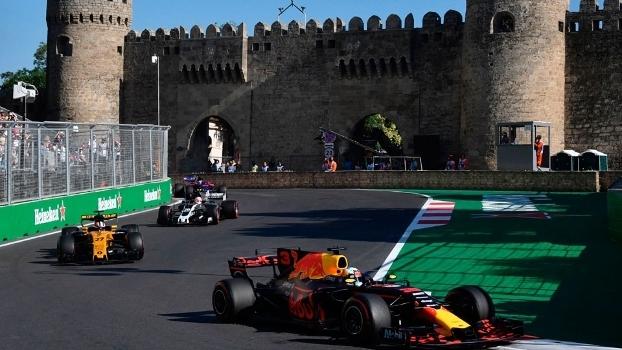 Daniel Ricciardo venceu o GP do Azerbaijão neste domingo