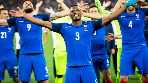 Patrice Evra Comemora Vitoria França Alemanha Euro-2016 07 07 2016 c35003277cdb2