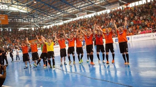 Time gaúcho pode conquistar o pentacampeonato da Liga Futsal neste domingo 8f0ff411a0b4b