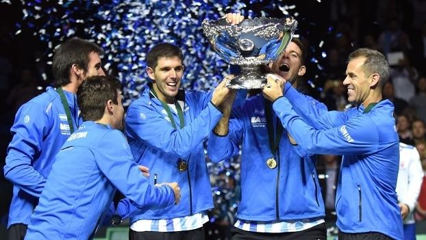 Equipe argentina celebra o título da Copa Davis na Croácia