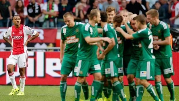 O Rapid Viena surpreendeu e venceu o Ajax na Holanda