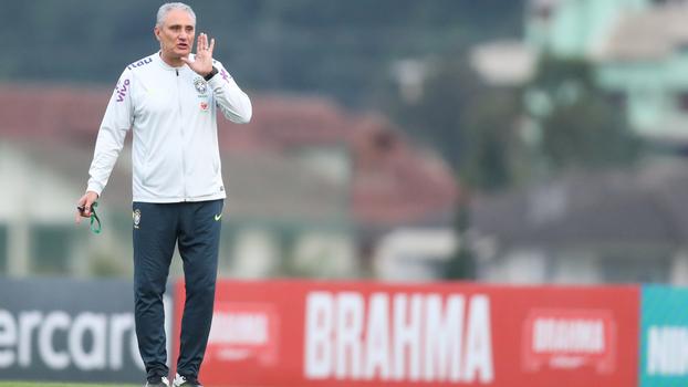 0a513c44028a2 Tite comanda treino da Seleção Brasileira antes de enfrentar a Suíça
