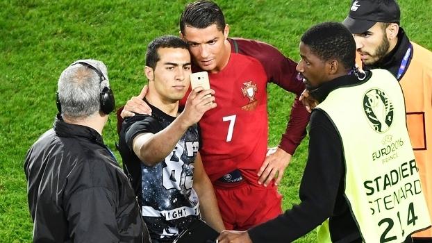 Cristiano Ronaldo Portugal Austria Selfie Torcedor 18/06/2016
