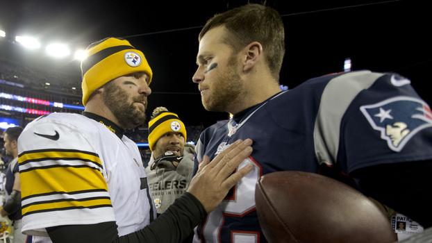 Ben Roethlisberger e Tom Brady após jogo entre Steelers e Patriots em 2013 256d4c525be54