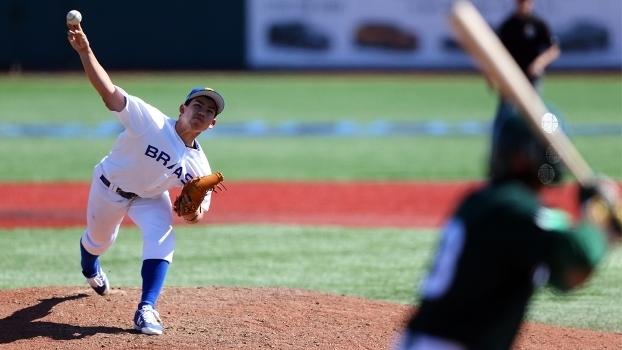 Eric Pardinho é arremessador da seleção brasileira de beisebol