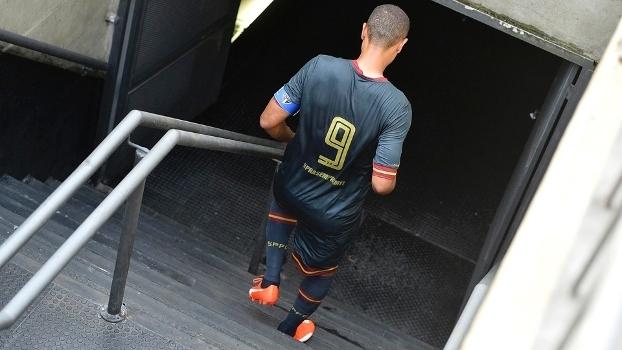 Luis Fabiano decreta adeus do São Paulo e promete voltar: