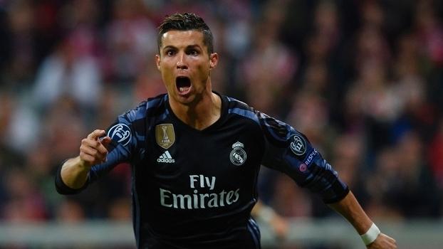 Cristiano Ronaldo comemora gol contra o Bayern de Munique