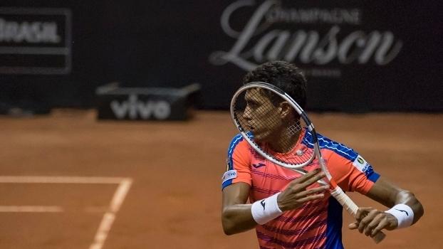 O tenista brasileiro Thiago Monteiro (na foto) durante partida contra o argentino Carlos Berlocq