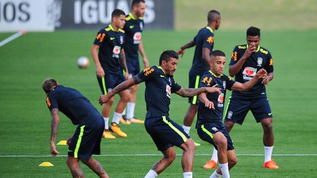 Tite treina pela primeira vez na Granja com 16 dos convocados - Esportes