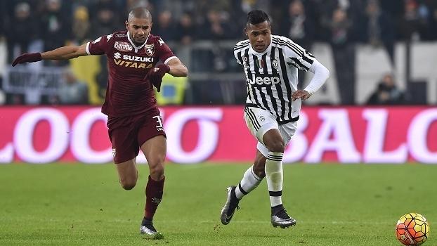 Bruno Peres, hoje na Roma, e Alex Sandro, da Juventus, estão entre melhores da Europa, segundo CIES