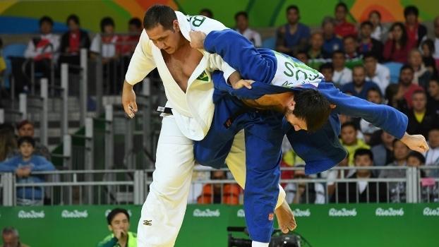 Rafael Silva está nas quartas de final