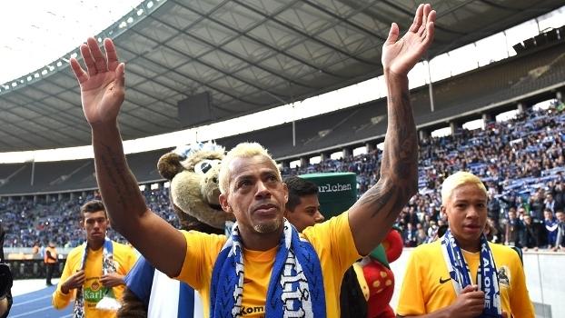 Marcelinho em seu jogo de despedida pelo Hertha