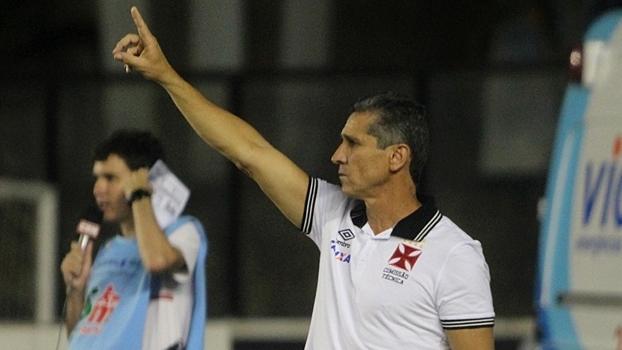 Jorginho durante jogo do Vasco contra o Madureira