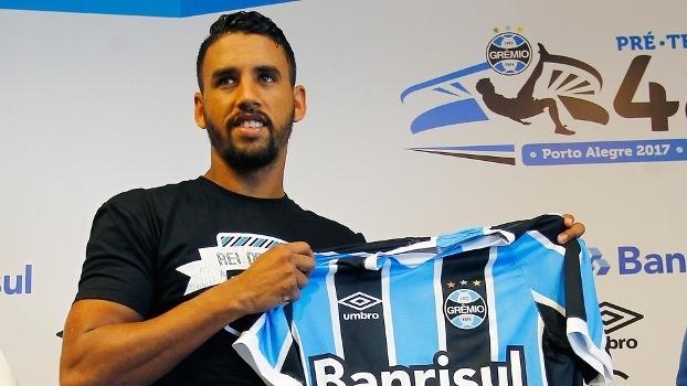 Michel durante sua apresentação no Grêmio