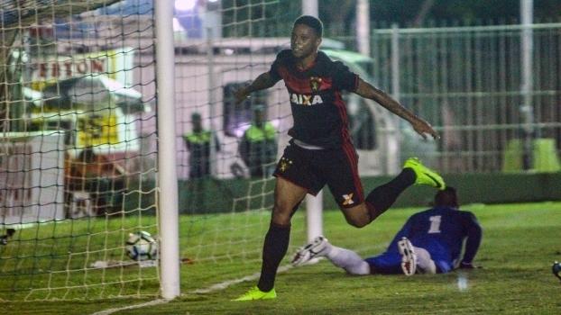 André comemora um dos gols da vitória do Sport contra o Boavista