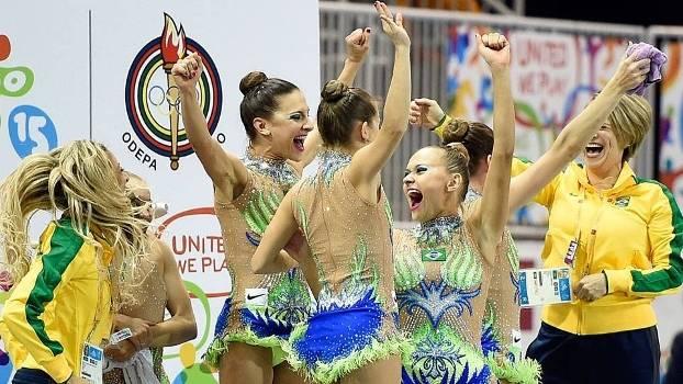 Brasileiras vibram após a confirmação da medalha de ouro