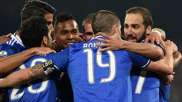 Atletas da Juventus comemoram classificação à final da Copa da Itália