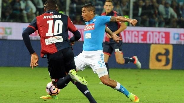 Brasileiro Allan brilha com a camisa do Napoli